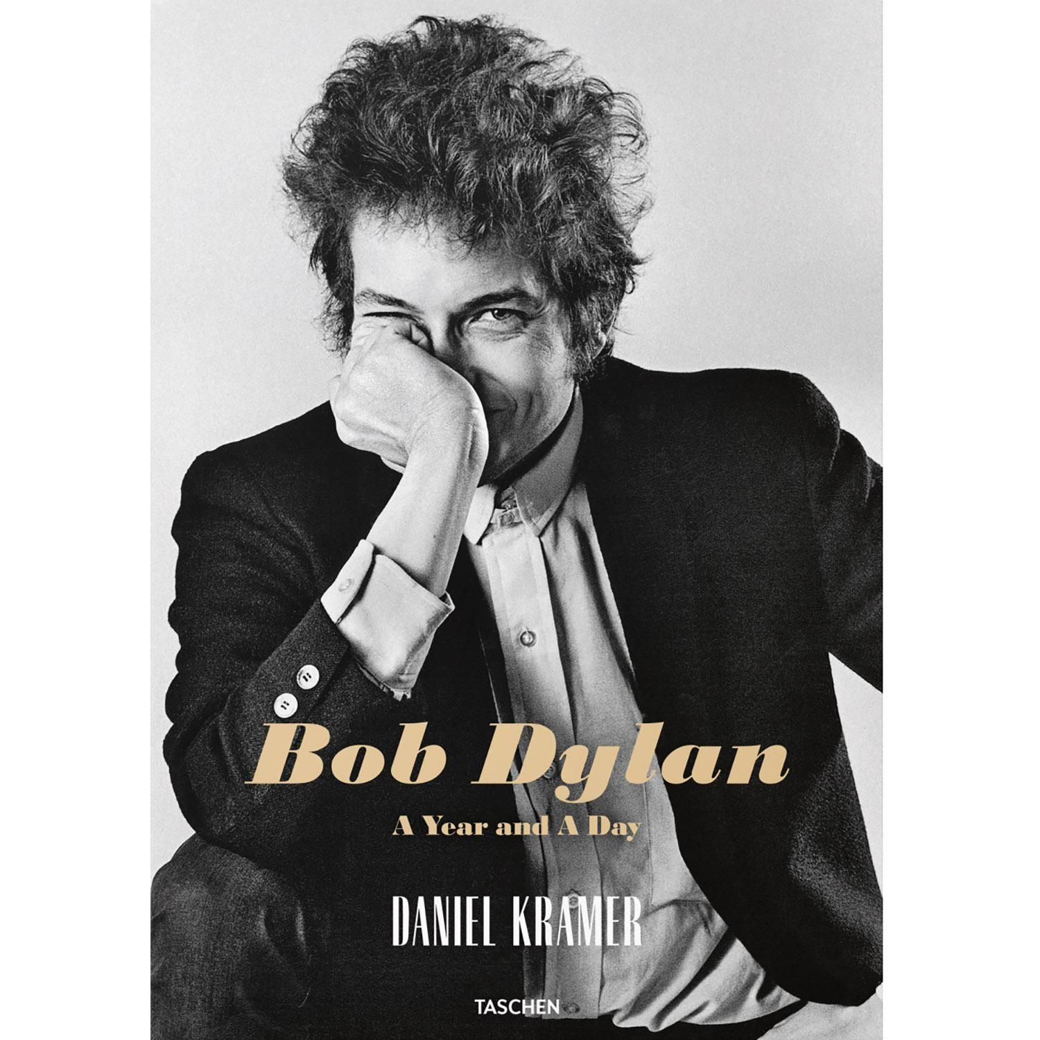 Bob Dylan:A Year And A Day